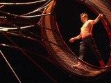 """Le Cirque du soleil présente """"Kooza"""" sur l'île Seguin de Boulogne-Billancourt - 01/12"""