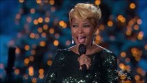 Mary J. Blige - Have Yourself A Merry Little Christmas (live on CMA Country Christmas)