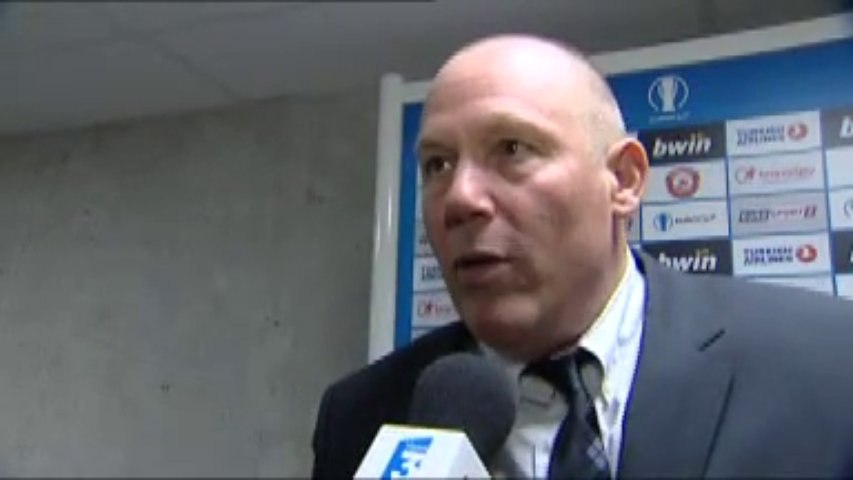 Jean-Denys Choulet réagit après sa faute disqualifiante contre Sassari (03/12/13)