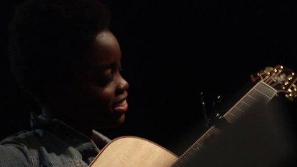 Irma vous apprend à jouer I Know sur iMusic-School