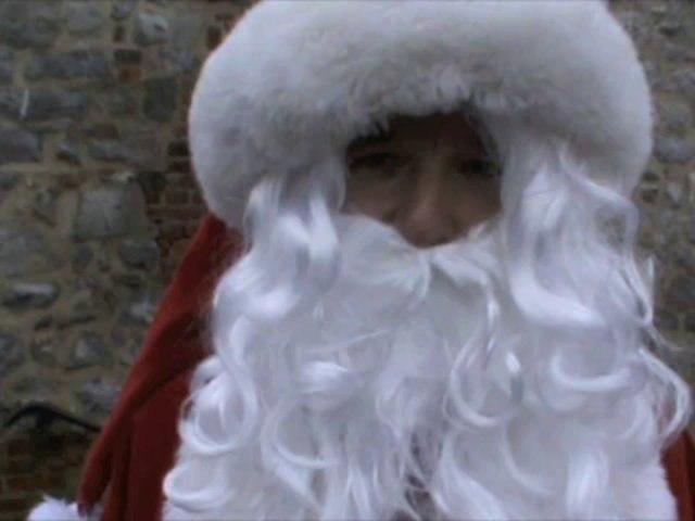 C'est ce père Noël qui va faire une descente en rappel à Trélon