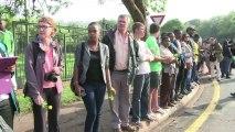 Los restos mortales de Mandela ya se encuentran en la capilla ardiente
