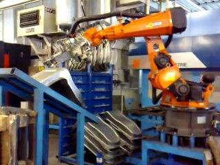 video Erregi 2 Industriale - isola con robot usato Kuka asservimento laser 3D prima industrie