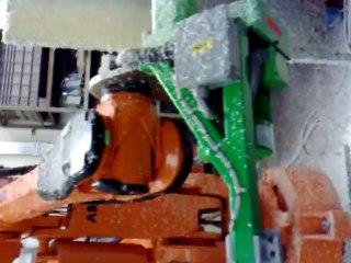 Video Erregi 2 Industriale robot usato revisionato ABB per tornitura tubi ricoperti in materiale termico