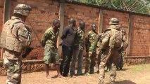 Tropas francesas desarmam milícias em Bangui