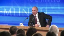 """Poutine: la Russie aide l'Ukraine en tant que """"pays frère"""""""