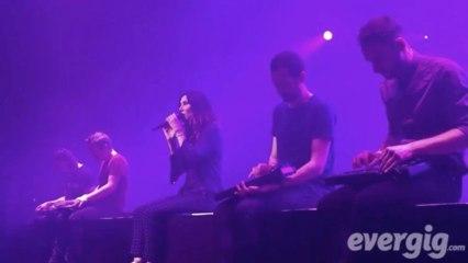 """Zazie """"Chanson d'ami"""" - Zénith Paris La Villette - Concert Evergig Live - Son HD"""
