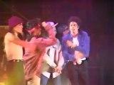 Michael Jackson - Bad - Live Bad World Tour(TWYMMF)