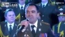 La police russe chante 'Get Lucky' des Daft Punk