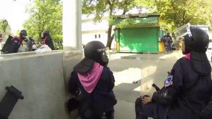 bangkok Thailande 26:11:2013 ผู้ประท้วงมีอาวุธ , Les manifestants sont armés