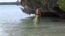 Nouvelle Caledonie: Peche artisanale sur l'Ile des Pins.