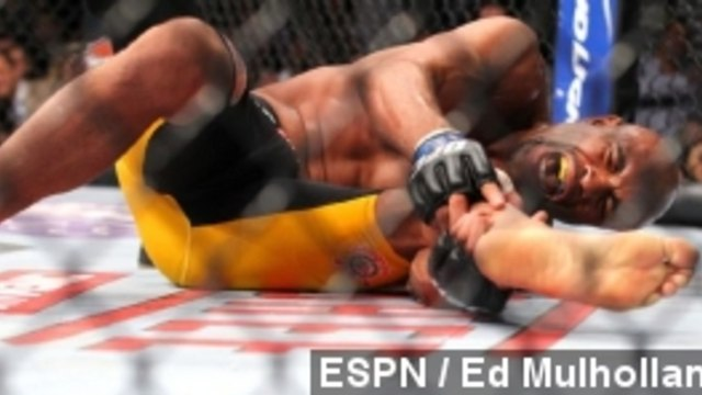 Anderson Silva Loses UFC Fight With Gruesome Leg Injury