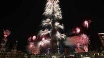 Record de Feu d'Artifices sur le Burj Khalifa à Dubai!! Nouvel An 2014