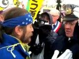 Une délégation française manifeste contre le nucléaire au Japon