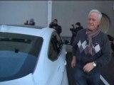 Le père de Michael Schumacher arrive à l'hôpital - 02/01
