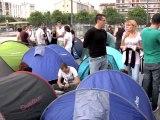 Les fans de Mylène Farmer plantent la tente