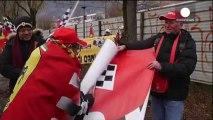 Schumacher'in kask kamerası inceleniyor