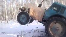Tracteur fou - Chauffeur russe débile!