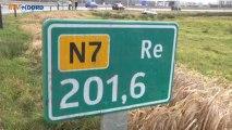 Auto uit de bocht bij Ring Groningen - RTV Noord