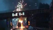 Gros incendie dans un camion rempli de feux d'artifice !