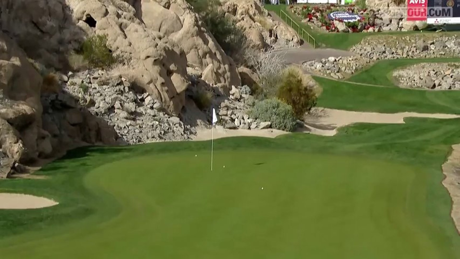 Ken Duke goes wild after hole-in-one in the final round