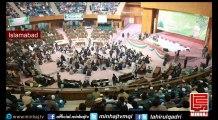 Dr Tahir-ul-Qadri's addresses International Mawlid-un-Nabi Conference 2014 - Minar-e-Pakistan Lahore