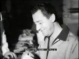 """""""Italia - Il vecchio continente esulta: eletta Miss Europa. Italia: Ultimi spiccioli a Venezia. Spagna - Il Barbagianni è un mattacchione ma non riesce mai a raccontare le sue divertentissime barzellette. Irlanda - Breve vita del battello eterno."""""""