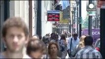 Argentina levanta parte de las restricciones a la compra de dólares