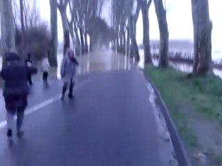Crue de la Garonne à Tonneins