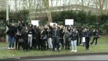 Education : Manifestation devant le Lycée du Parc des Loges