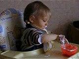 je mange mon petit suisse
