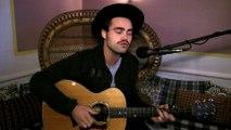 """""""Susie"""": Mikhael Paskalev en session acoustique"""