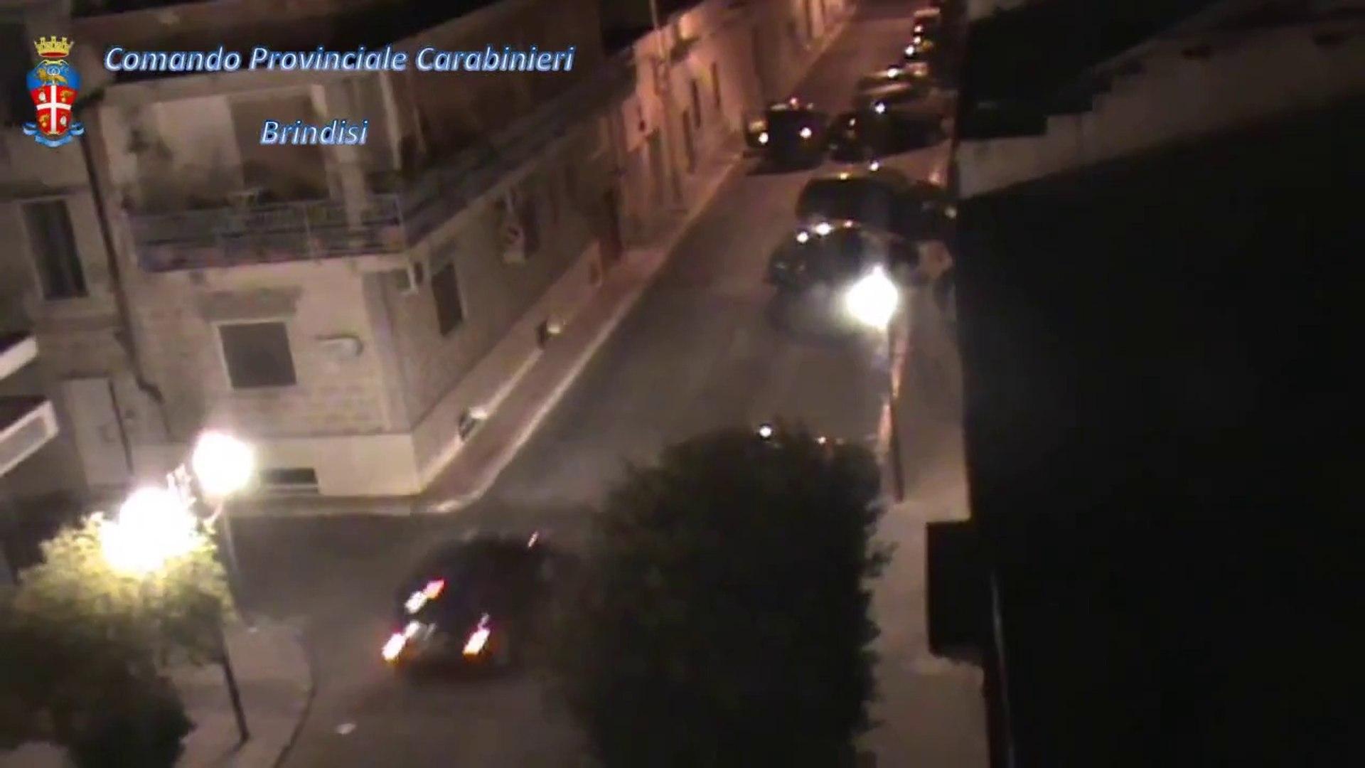 Brindisi - La cattura della banda dei bancomat ripresa da una videocamera (11.12.13)