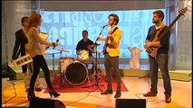 """TV3 - Els Matins - """"Regala petons"""", la cançó de Nadal de TV3"""