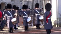 Buckingham Palace, changing the guard, relève de la garde au palais
