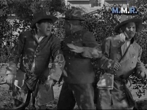Los Tres Chiflados [MMR] - Tres Civiles Poco Guerreros