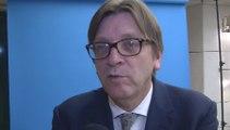 """Guy Verhofstadt : """"Il y a eu un manque de transparence dans la gestion de la crise"""""""