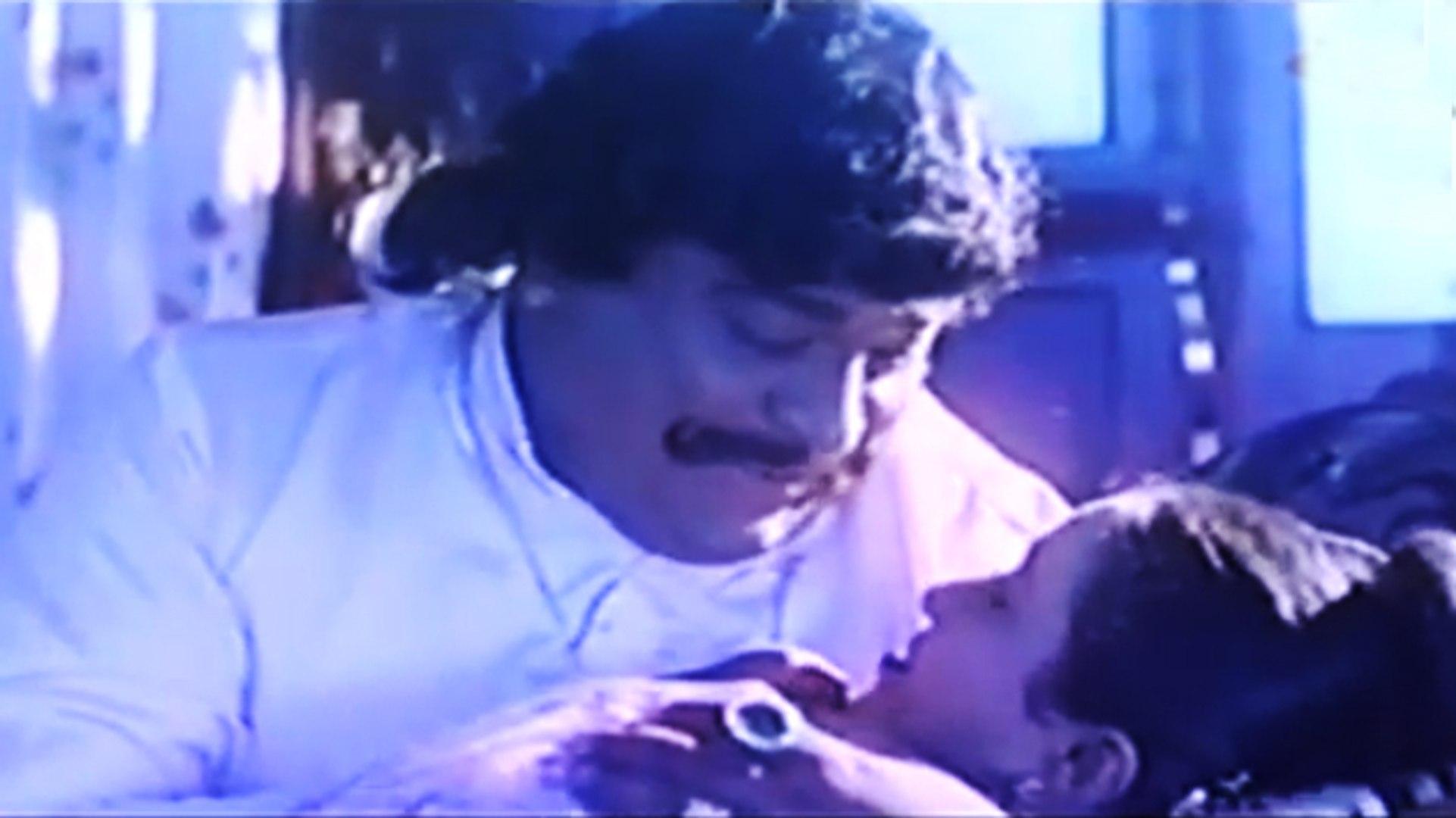 Birth Scene | Muttinantha Hendthi | Kannada Film