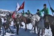 Donan gölde, at yarışları yapıldı