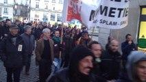 300 personnes marchent  pour la culture