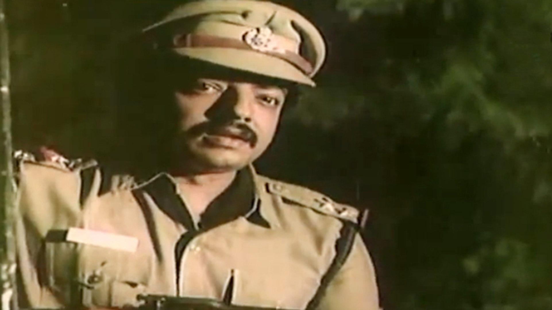 Bad Guy Ran From Police | Ellavarkum Nanmakal | Malayalam Film