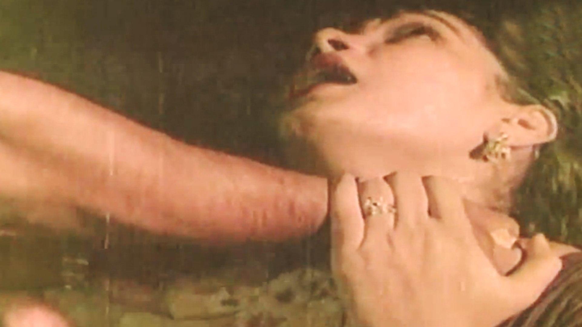 Bad Guy Killed HOT Women | Ellavarkum Nanmakal | Malayalam Film
