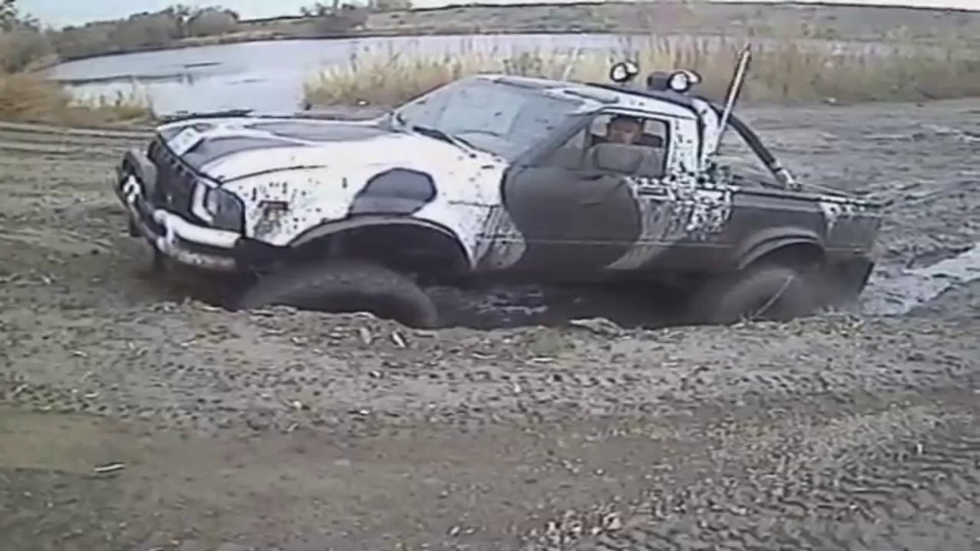 Monster Truck Mudding Action Video Dailymotion
