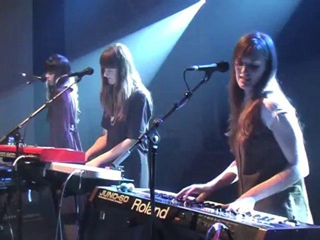 Au Revoir Simone ❘ Dark Halls ❘ Live 2006