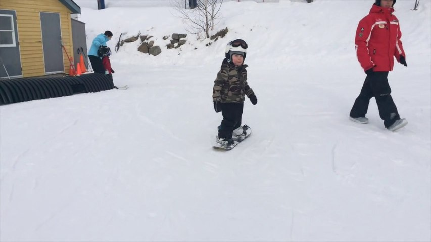 3year old snowboarder shreds Tremblant