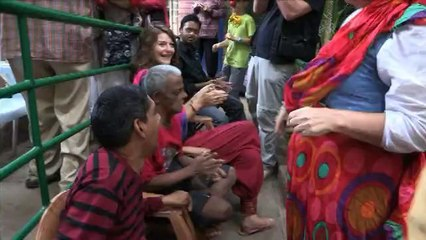 La Caravane amoureuse au centre Asha Niketan (Inde)