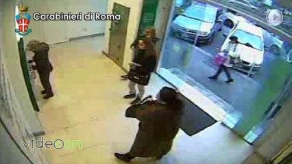 """""""Signora le sono caduti dei soldi"""", arrestata banda che rubava bancomat per fare prelievi e bonifici"""