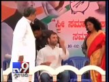 Narendra Modi mocks Sonia, Rahul as 'Nakli Gandhis' at Karnataka rally - Tv9 Gujarati