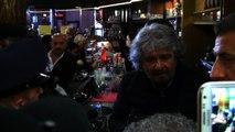 Beppe Grillo a Sanremo: comizio sul red carpet e al bar