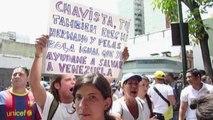 Protesto em frente ao Palácio de Justiça de Caracas